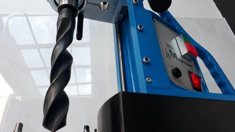 máy khoan từ MD108 sử dụng mũi khoan côn