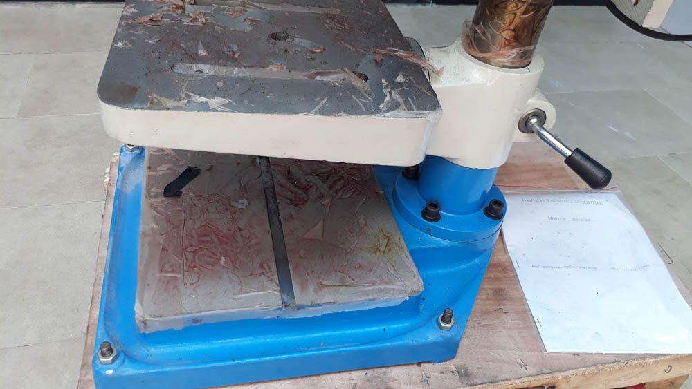 Bàn làm việc và chân đế của máy ta rô SWJ-24D
