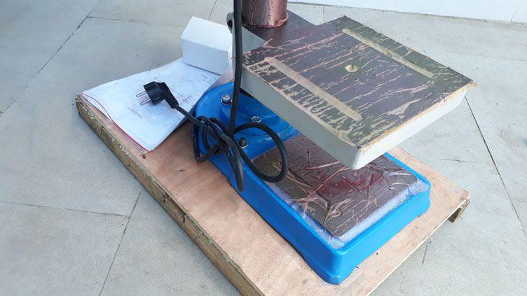 Chân đế và bàn làm việc của máy ta rô SWJ-6D