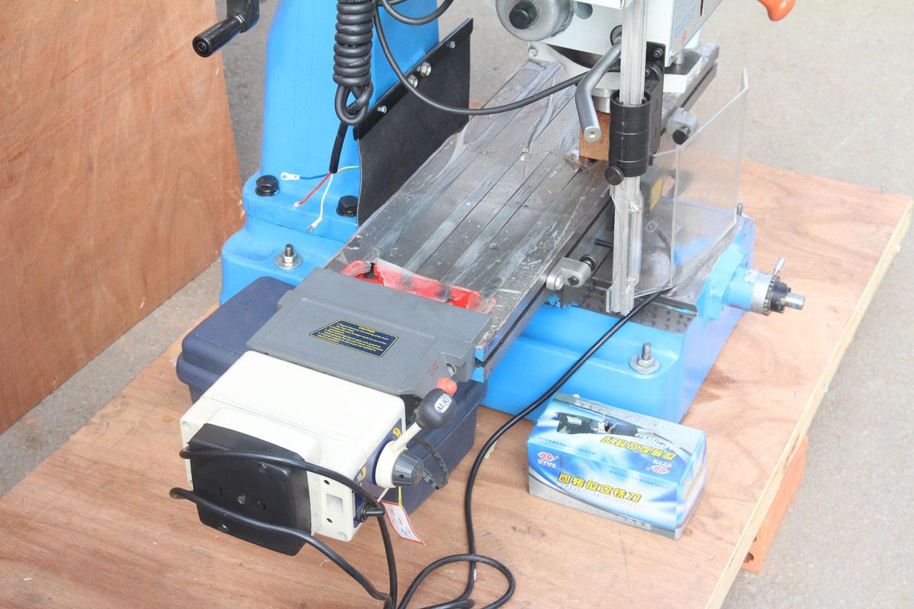 Động cơ chạy bàn tự động ZX7040B1