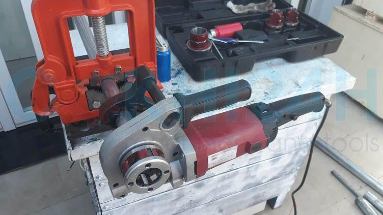 Máy tiên ren ống cầm tay SD30