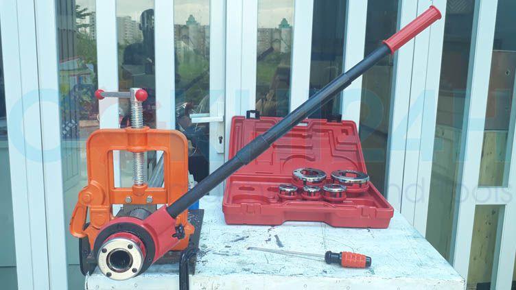 Bộ tiện ren ống bằng tay SD705