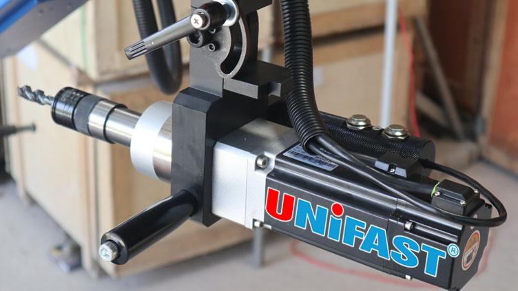 Động cơ servo của máy ta rô ETU-16-1800 UniFast